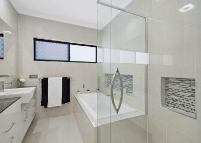 pearl-crest-bath